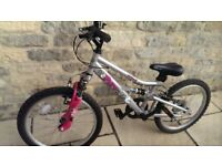 Girls Suspension Bike - Great Condition - Age 6 to 9