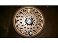 Good JW Young Series 1 1825 Neauvex trout fly reel