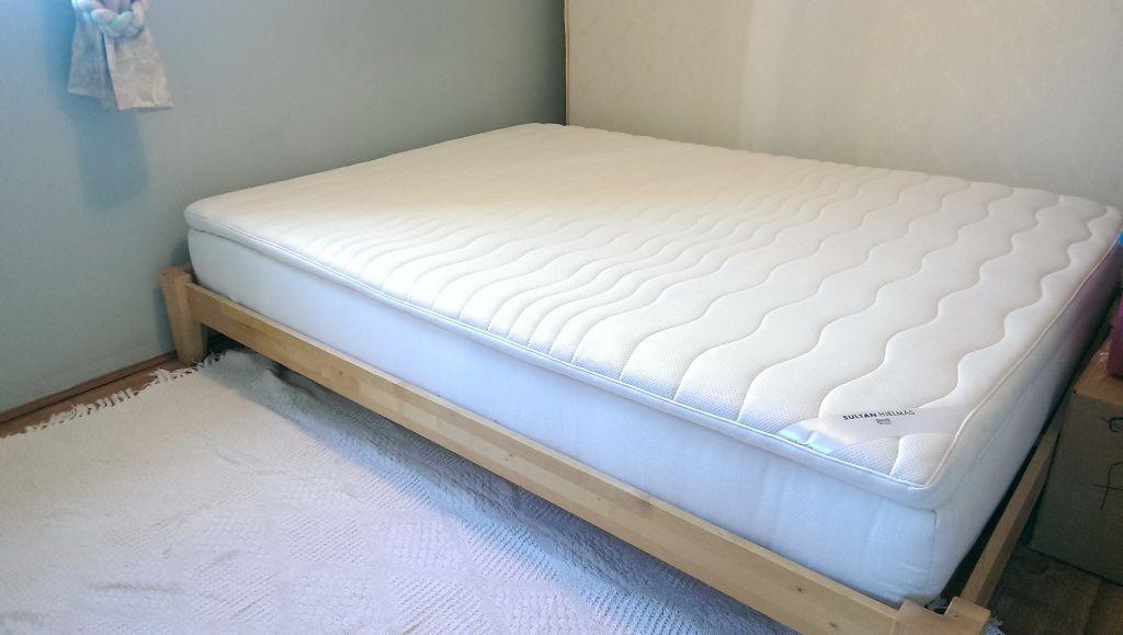 Ikea double mattress 4x6 sultan hjelm s pocket sprung for Ikea bed topper