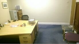 **2 Person Office** Ground Floor Prime Location, 6 Mins to Leeds Town, 40mb Fibre, Bills Included