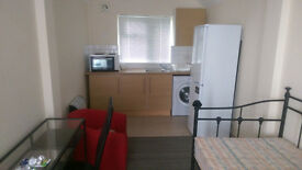 Studio Flat with Private Entrance * * All Bills Included * *