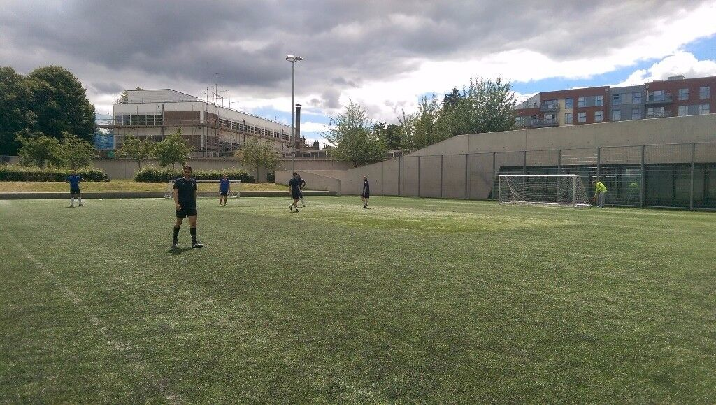 Play 7 a-side Football in Hoxton. Sunday league starting Nov. Brand new pitch. qualified refs, stats