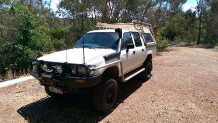 Hilux 1996 V6 Chev auto with compliance plate and licenced