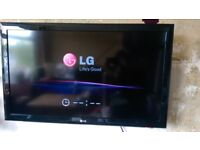 LG 42in TV Full HD with wall mount