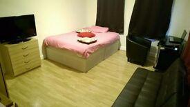 HUGE DOUBLE ROOM TO RENT IN BERMONDSEY