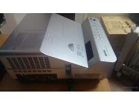 SANYO DvL2500 3D HDMI 2500 LUMENS --Ultra Short Throw Projector --