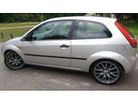 Ford Fiesta 1.4 Diesel 17 inch Sporty Alloy low profile tyers lower suspension £30 Tax Sony CD Playr