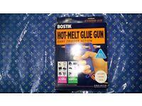 BRAND NEW HOT MELT GLUE GUN