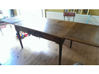 Large oak extendable table £200