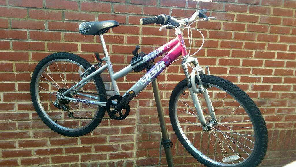 """Kids Bicycle 24"""" Wheels Excellent Conditionin Greenwich, LondonGumtree - 14"""" lightweight frame6 Shimano speed gears Front SuspensionChain protectionGood tyresSharp brakesIm in Woolwich Arsenal SE18 just a few minutes walking from the station and available all day"""