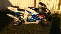 98 GSXR 750 FOR SALE