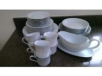 CROWN MING FINE CHINA, QUEENS LACE WITH SLIVER TRIM DINNER SET, MADE IN CHINA JUAN SHIANG