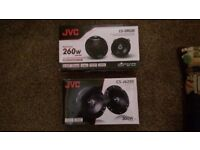 JVC SPEAKERS CS-DR520 260 WATT AND CS-J620X 300 WATT (BRAND NEW)