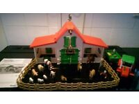 Farm House and animals and tractor - Superplay RRP £34.99