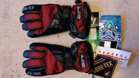 Frank Thomas Ladies gloves.
