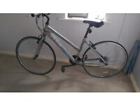 Woman's road bike *(for parts/repair)*