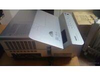 SANYO DvL2500 3D HDMI 2500 LUMENS --Ultra Short Throw Projector --+Remote