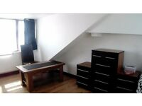 large modern Studio flat Colindale nw9 own bathroom & kitchen bills inc DSS welcome self contained