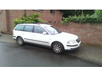 2L VW Passat Estate SE for sale. Good runner - 14 years old, service, MOT due. Quick sale £700 ono