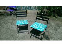 PAIR OF METAL FOLDING GARDEN PATIO CHAIRS.