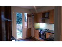2 double rooms to rent in large house, communal living room, kitchen, garden and garage