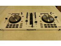 Special Edition Numark Mixtrack Pro 3 Dj Controller