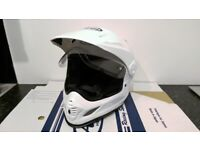 NEW Arai Tour X4 Motorcycle Helmet / Diamond White / Size UK Small (S) (56cm) / Glasgow