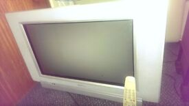 OLD STYLE PHILIPS TV WITH REMOTE IN WORKING ORDER