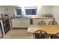 Attention Students! Spacious 5 bedroom apartment available from July