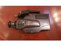 HITACHI VM-2400E Retro Video Camera Camcorder + Accessories