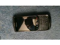 blackberry torch 9800 unlocked looks new black