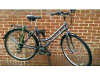 "Professional Hybrid Bike 28"" Wheels"