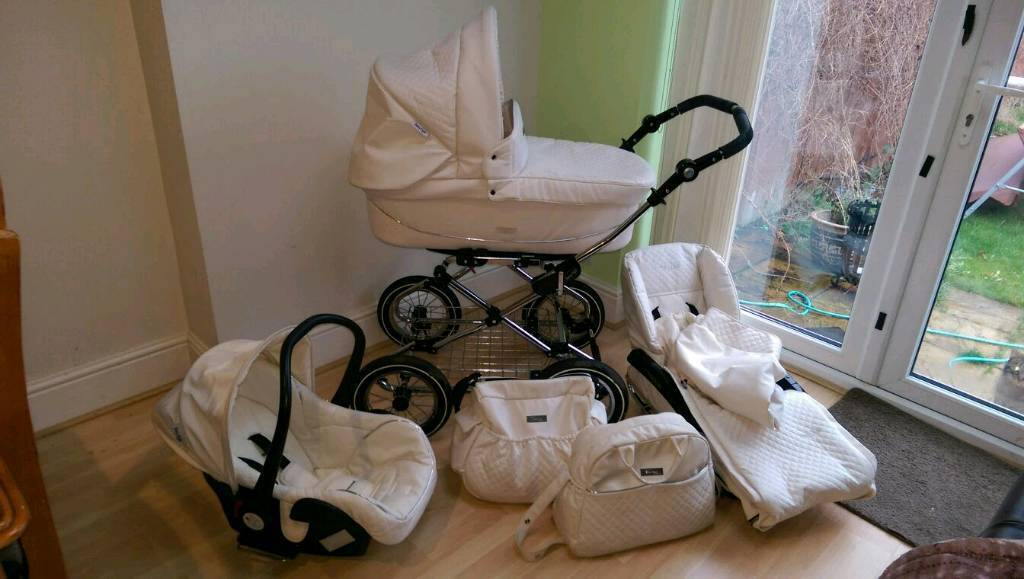 Babystyle Prestige 3in1 travel system with extras