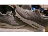 Nike air max 1 size 6 grey suede