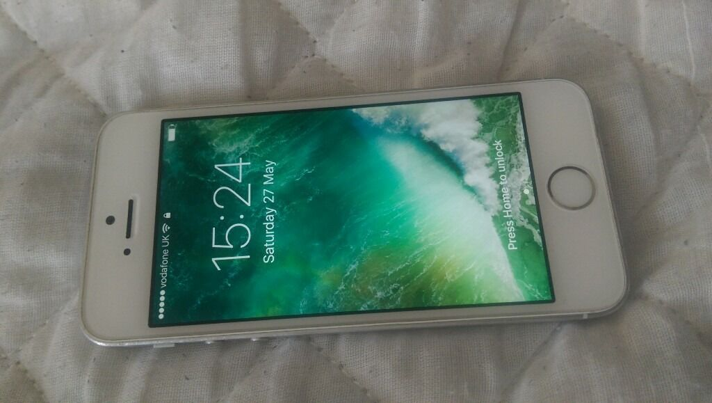 apple iphone 5s on vodafone fully working screen looks new whitein Victoria Park, LondonGumtree - Apple iPhone 5s on Vodafone screen looks new back has scratch at middle right the front of the phone looks new and its original ICloud account have been deleted and phone will be reset for the new owner