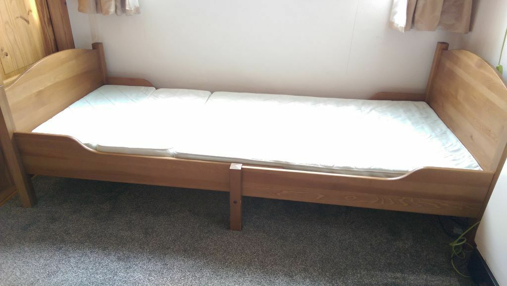 sundvik ikea extendable children 39 s bed with mattress in chingford london gumtree. Black Bedroom Furniture Sets. Home Design Ideas