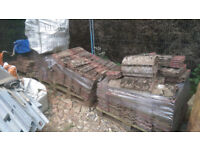 approx 800-1000 roof tiles reclaimed original weathered look ideal extension can load on pallets