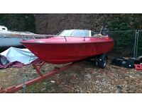speedboat / powerboat project 140 Mercruiser inboard on good trailer CHEAP TO CLEAR