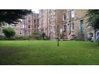 Spacious Room in Three Bedroom Flat in Marchmont, Fully Furnished, Shared Garden