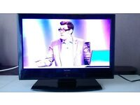 Technika 18.5 inch LCD flat screen TV + Freeview + remote