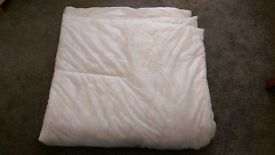 Duvet double size (rarely used)