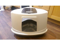Large covered cat litter tray with carbon filter (no door)