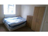 DOUBLE ROOM IN SHARED HOUSE - LOW RENT NO BILLS