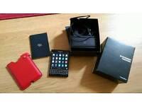 Blackberry PASSPORT 3go RAM. 32GB .ALL NETWORKS