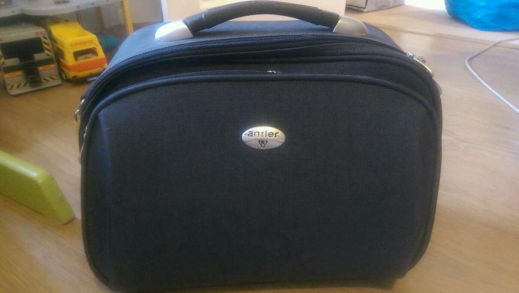 Antler Hand Luggage Vanity Case In Brighton East Sussex