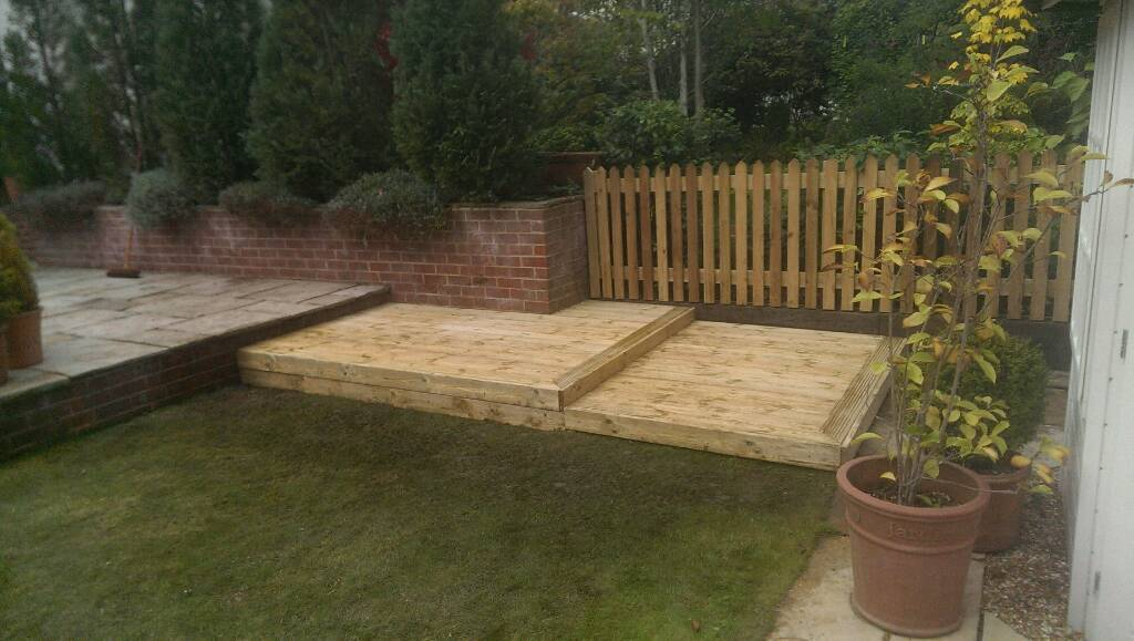 Lawnsmith's Landscapes - Fencing & Decking Specialists