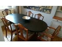 Exstenting dining table with 6 chairs
