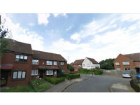Beckton E6. **AVAIL NOW** Light & Spacious 3 Bed Furnished House with Garden on Quiet Street