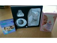 Tommee Tippee Electric Breast Pump, Pads and Storage Bags