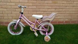 Girls bike with detachable stabilisers - £5